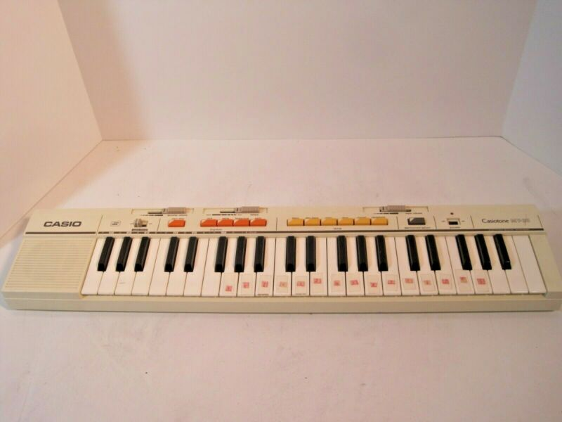$49.98 • Buy Vtg Casio Casiotone MT-35 Electronic Keyboard Synthesizer On/Off Switch Broken