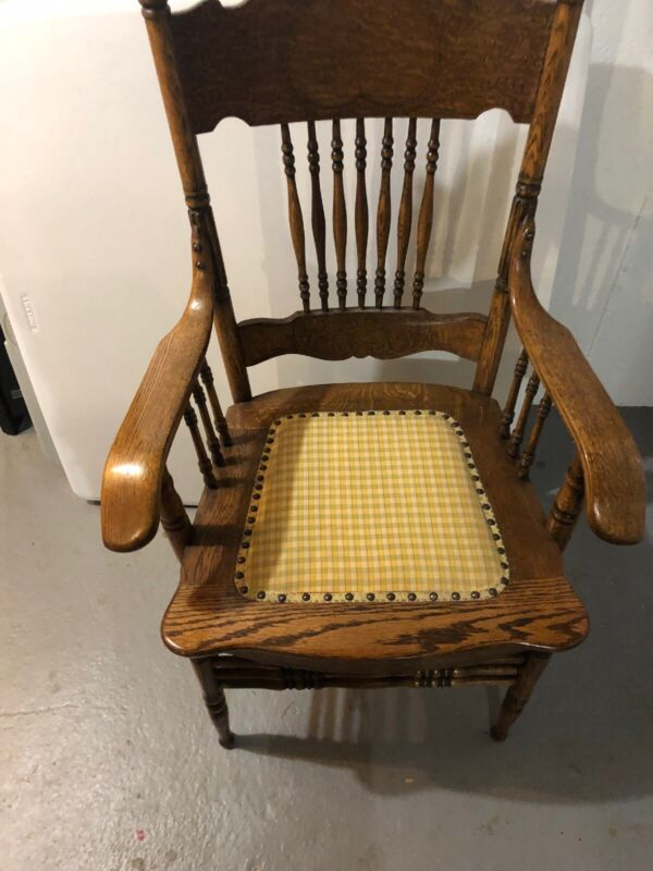 $59.99 • Buy Vintage Antique Wooden Oak Classic Arm Chair Spindle Back Carved Fabric Seat