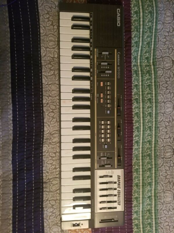 $75 • Buy Casio MT-100 Casiotone Keyboard Synthesizer Graphic Equalizer  Tested