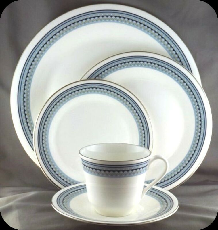 $ CDN29.99 • Buy Royal Doulton Grey Friars 5 Piece Place Setting Pristine H5068 (Two Available)