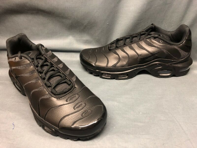 $29.22 • Buy Nike Men's Air Max Plus Running Sneakers Leather Triple Black Size 9.5 NWOB!