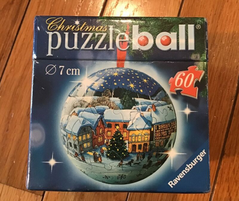 $7.99 • Buy New Ravensburger Christmas Puzzle Ball 60 Pieces 7 Cm Winter Village Scene 2006